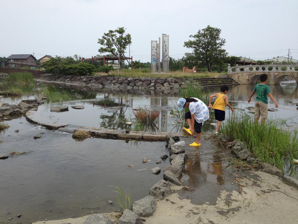 湯日川親水公園 16時半ぐらいになると川から水が入ってくる